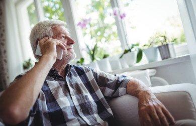 Persona mayor telefono